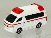 tomica-4d-06-toyota-himedic-ambulance-3