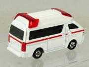 tomica-4d-06-toyota-himedic-ambulance-4